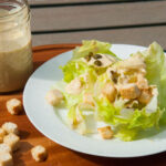 Salade céaser avec vinaigrette a l'hummus