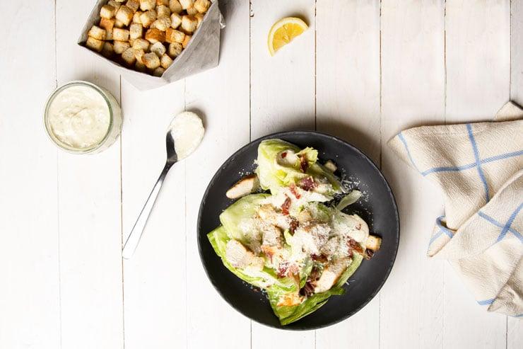 Quartiers de salade césar